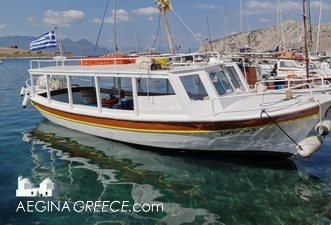Just take a small boat in Perdika to go to Moni island