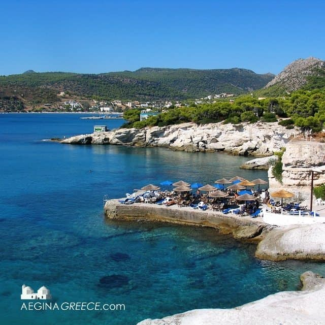The great location of Sotos Beach bar in Agia Marina